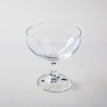Champagne Coupe Alberta | 1970s champagne coupe you can rent this champagne coupe for champagne or cocktails. Of course you can also simply drink soda water out of it. | gotvintage Rental & Event Design