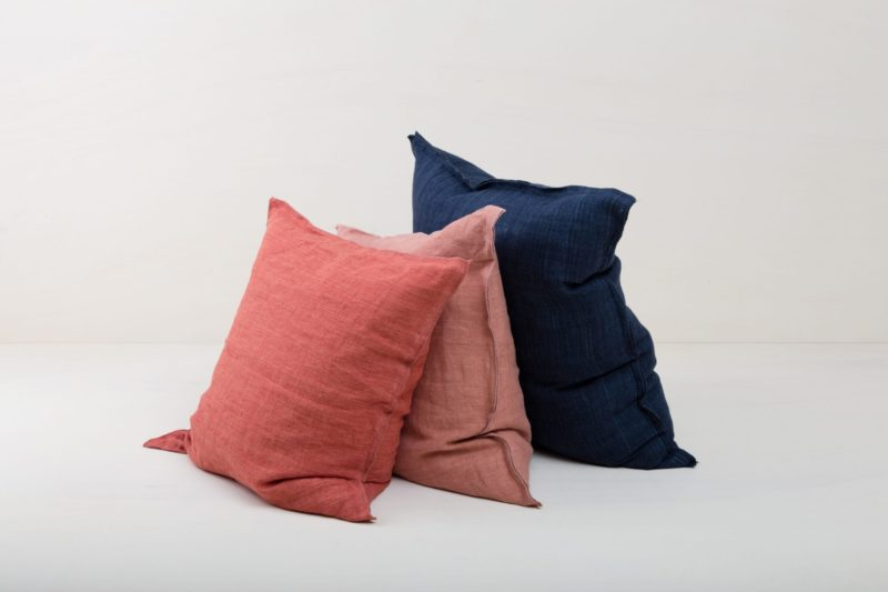 Rent, colourful pillows, colourful blankets