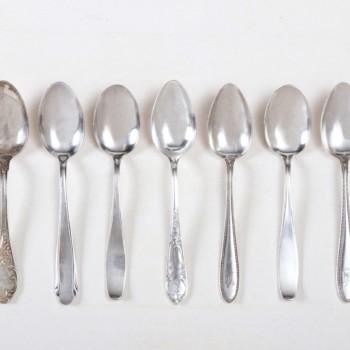 Vorspeiselöffel Antonia Versilbert Mismatching | Vintage Vorspeiselöffel, Silberbesteck mit schöner Patina, unterschiedliche Muster. Diese Größe eignet sich auch sehr gut als Dessertlöffel. | gotvintage Rental & Event Design