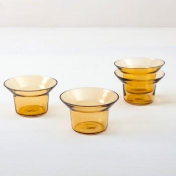 Teelichthalter Camara Bernstein Glass | Schlichter Teelichthalter aus bernsteinfarbenem Glas. Den Teelichthalter kannst Du auch für Blumen oder Kerzen bis 39 mm Durchmesser verwenden. Teelichter bitte separat bestellen. | gotvintage Rental & Event Design