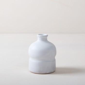 Vase Milagros S | Matt weiß glasierte Keramik Vase aus Süditalien. Moderne schlichte Form. In großer Stückzahl verfügbar, daher gut geeignet für Tischdekorationen mir vielen Gästen. | gotvintage Rental & Event Design