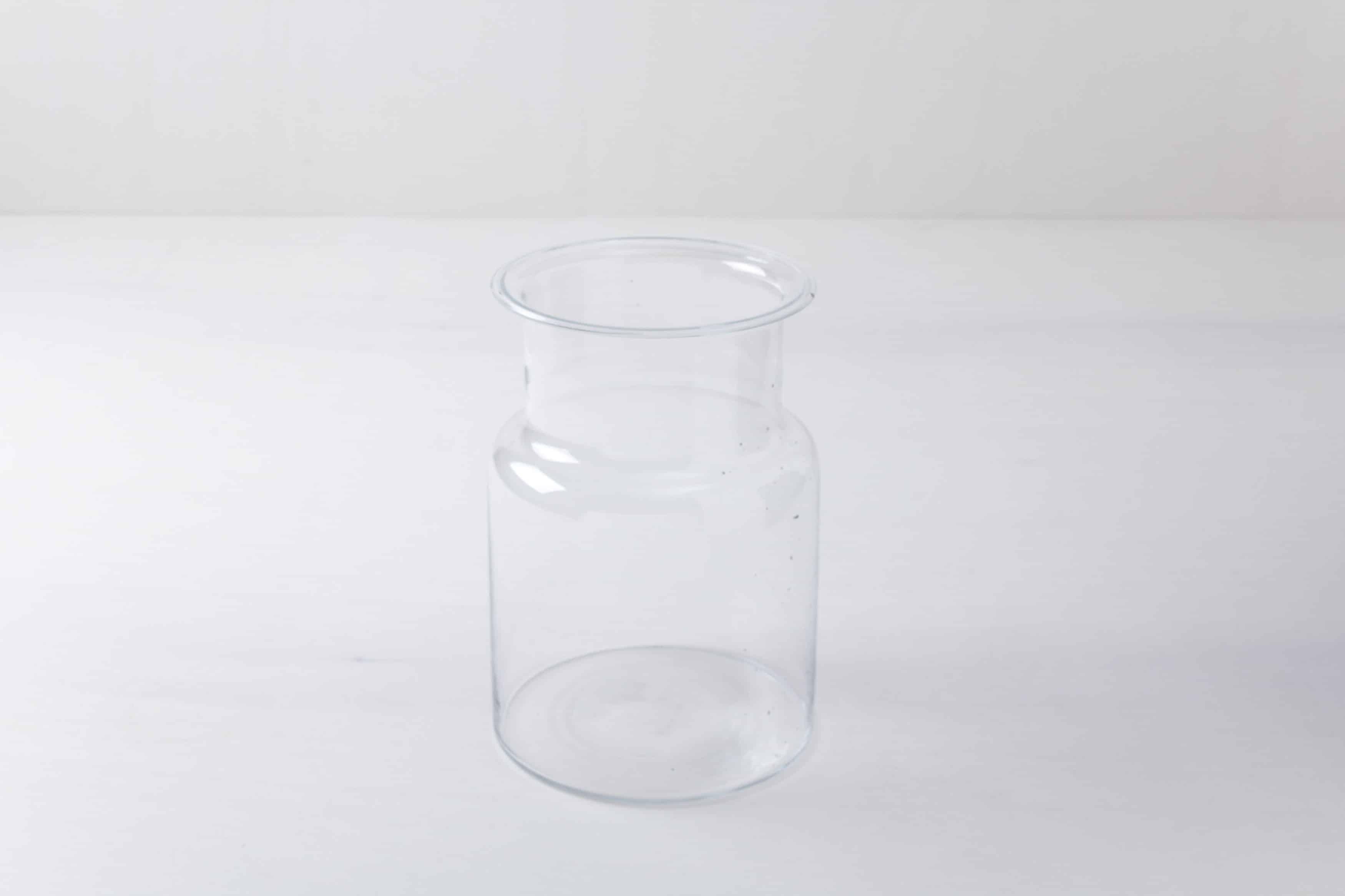 Diverse Glasgefäße mieten, Glasflaschen, Glasteller & Glasvasen