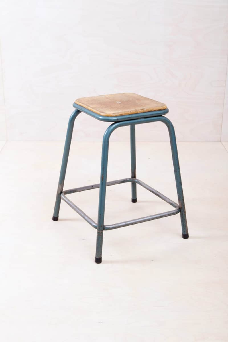Mullca metal stool Gaston Cavaillon in industrial look for hire Berlin