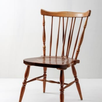 English rung chairs in Windsor design