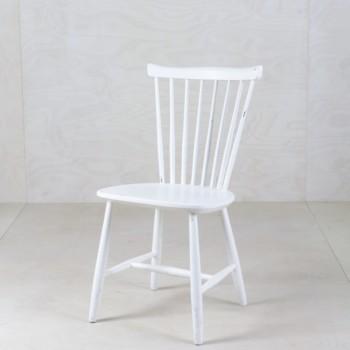 Holzstühle mieten, für Veranstaltungen, Hochzeitsdeko, Hochzeitsbestuhlung in weiß